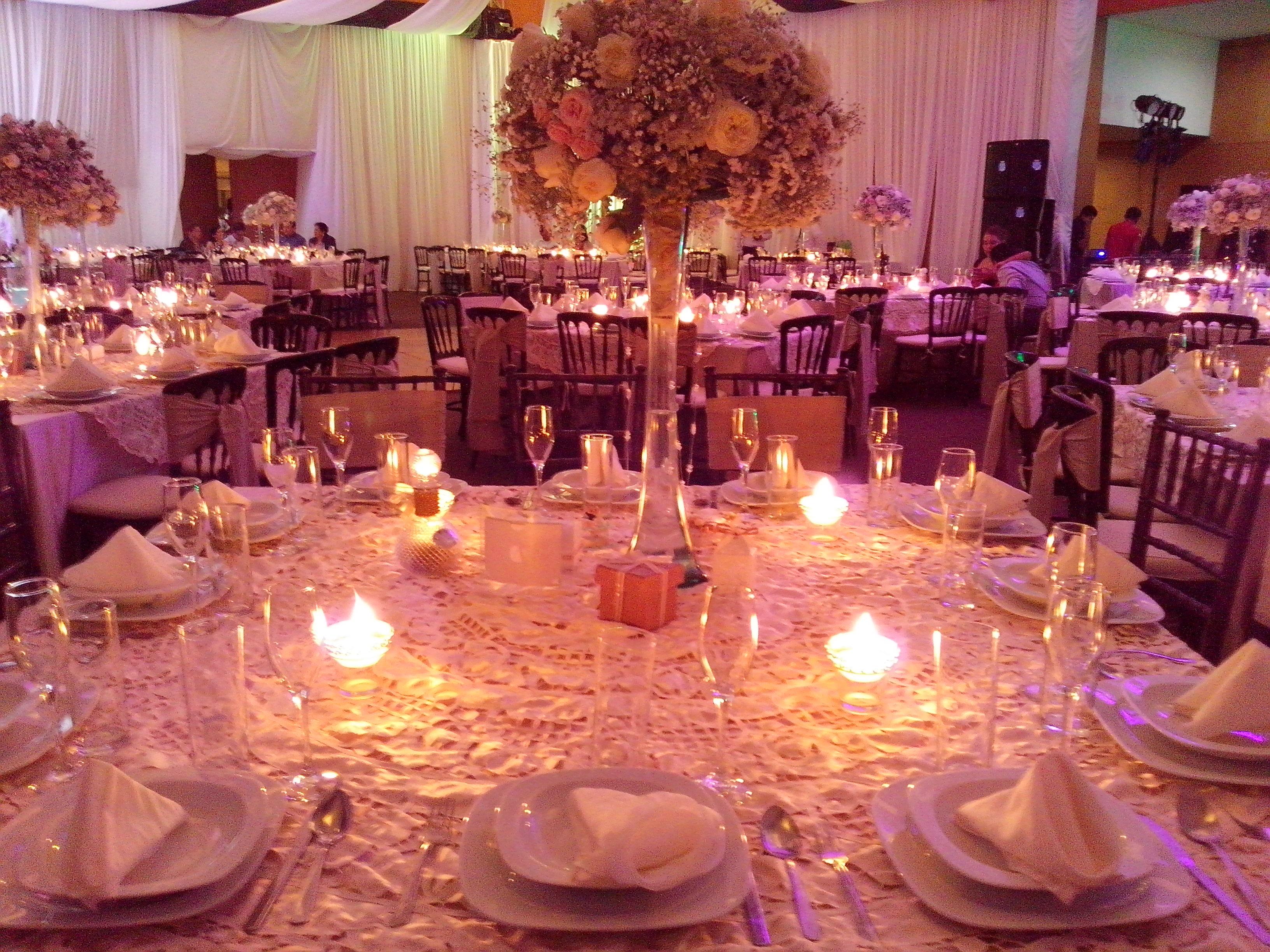Pin centros mesa sencillos originales pictures on pinterest for Mesas de boda originales